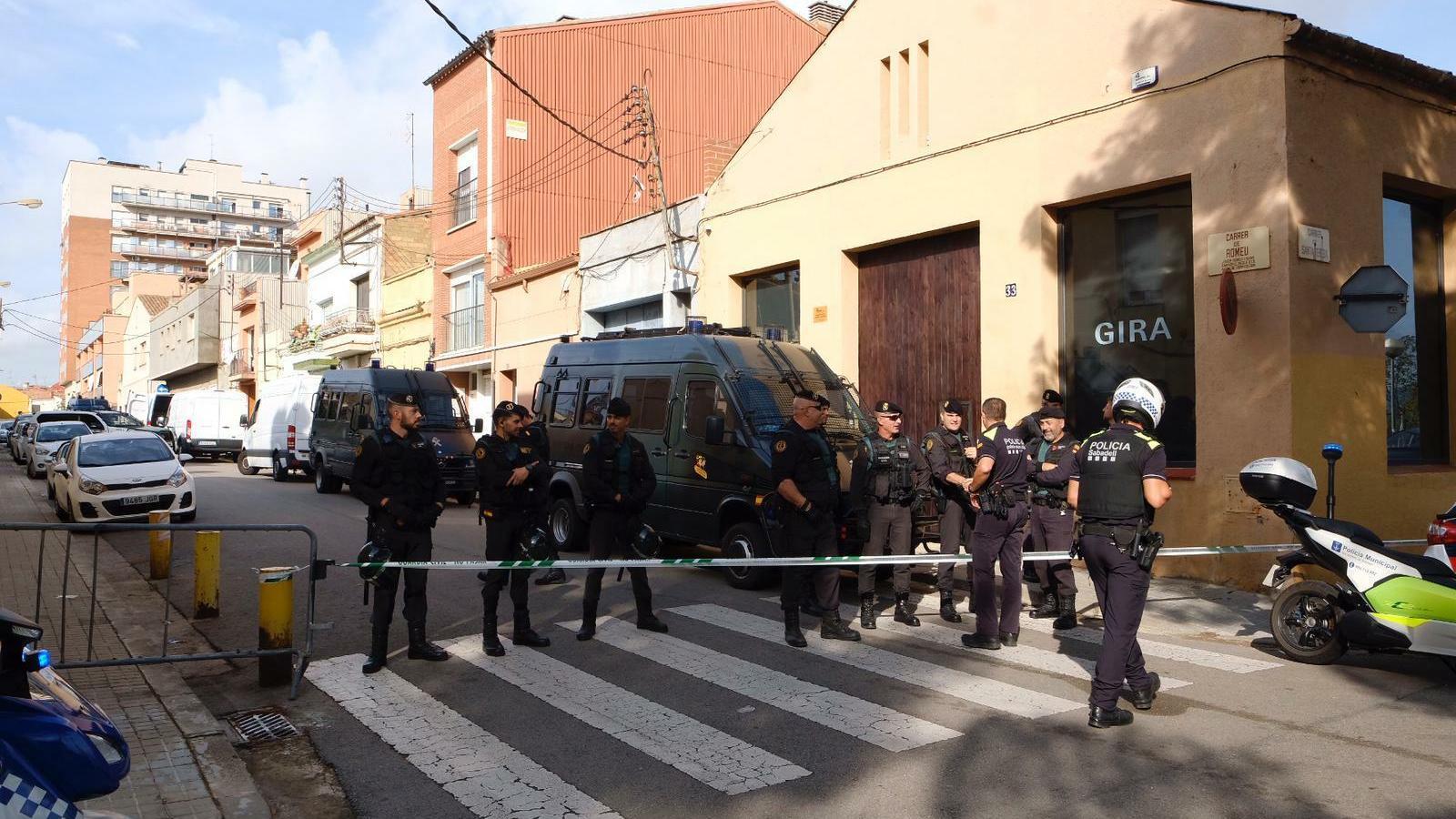 """La Fiscalia considera que els nou arrestats formaven part """"d'un grup terrorista secessionista català"""""""
