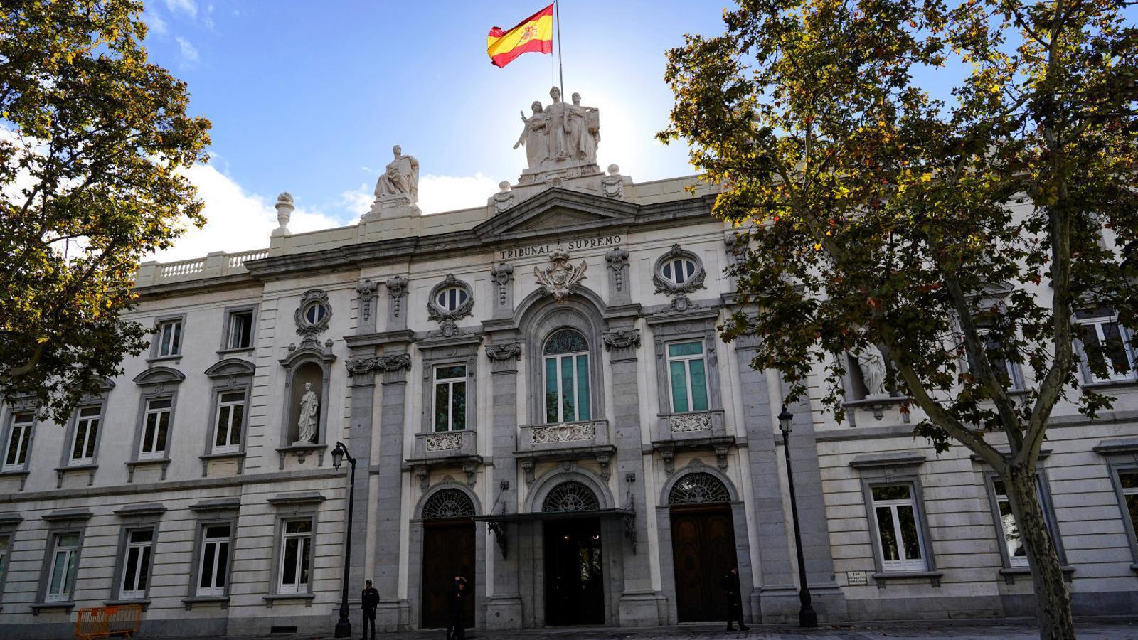 Façana del Tribunal Suprem, a Madrid, on a partir del gener es jutjarà el Procés. / JUAN MEDINA / REUTERS