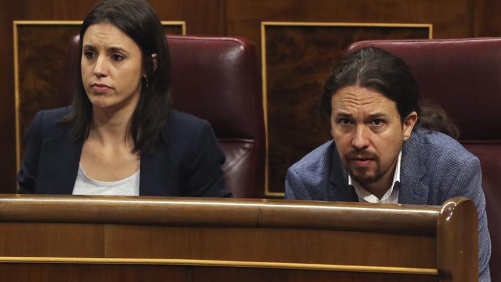 Irene Montero i Pablo Iglesias, durant el debat de la moció de censura / EFE
