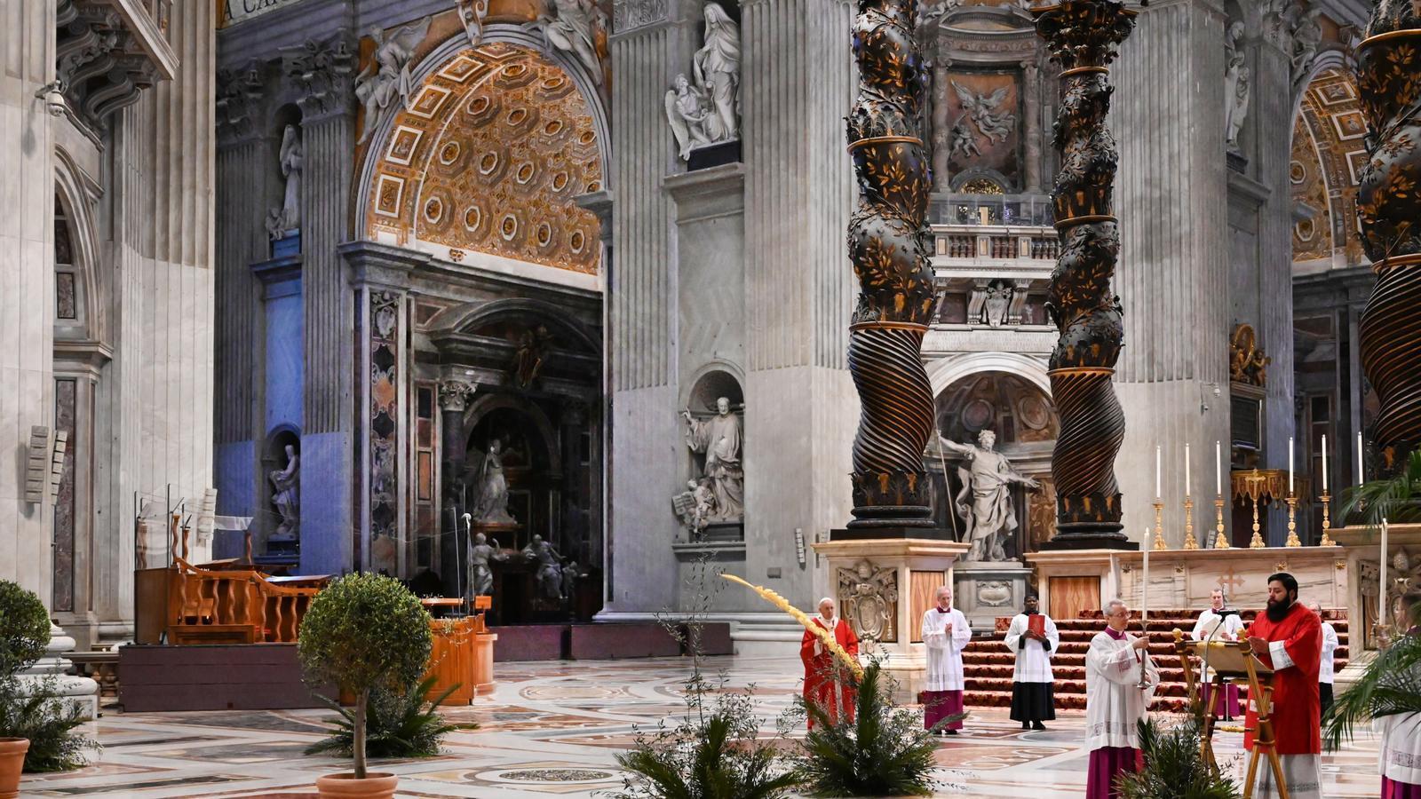 Missa del Diumenge de Rams a les portes tancades a la basílica de Sant Pere, Vaticà