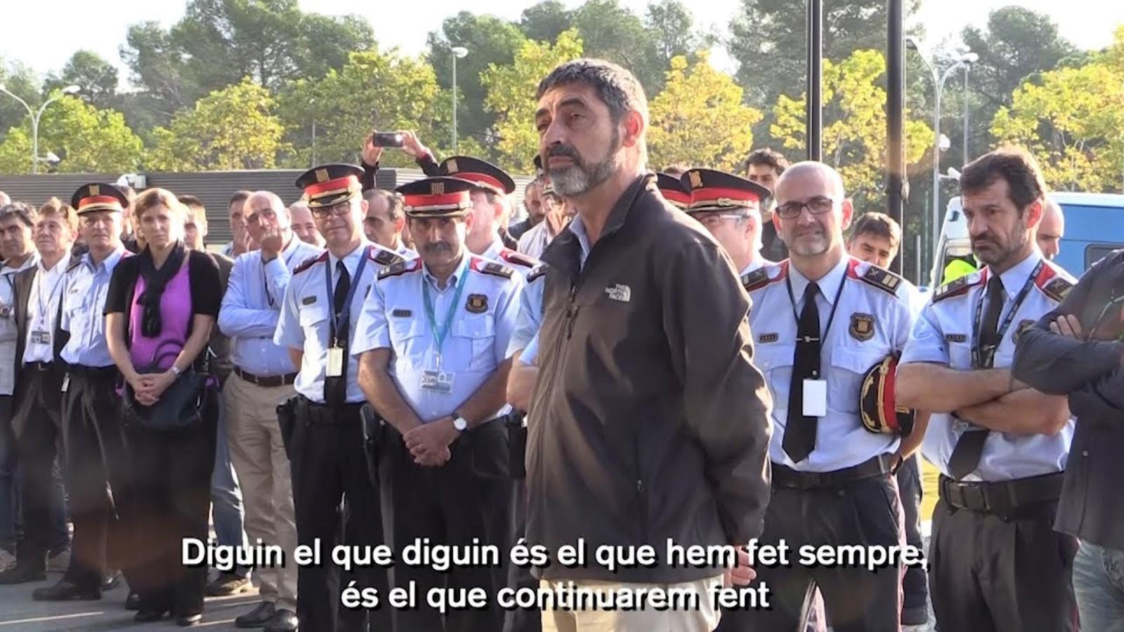 Trapero adreça unes paraules als Mossos que l'esperaven al complex Egara