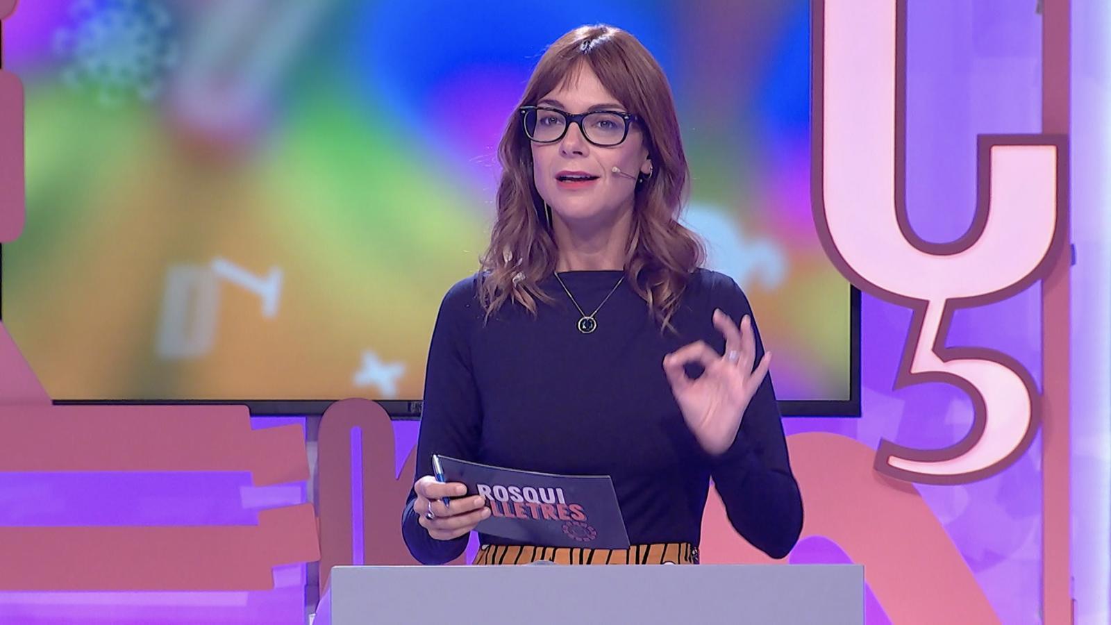 Laura Sanchis,  presentadora del concurs juvenil 'Rosquilletres',  que aquest novembre ha tornat a la programació d'À Punt