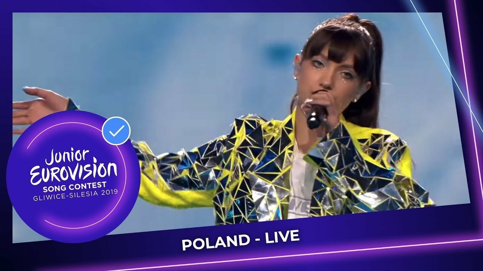 Viki Gabor interpreta 'Superhero' a Eurovisió Junior