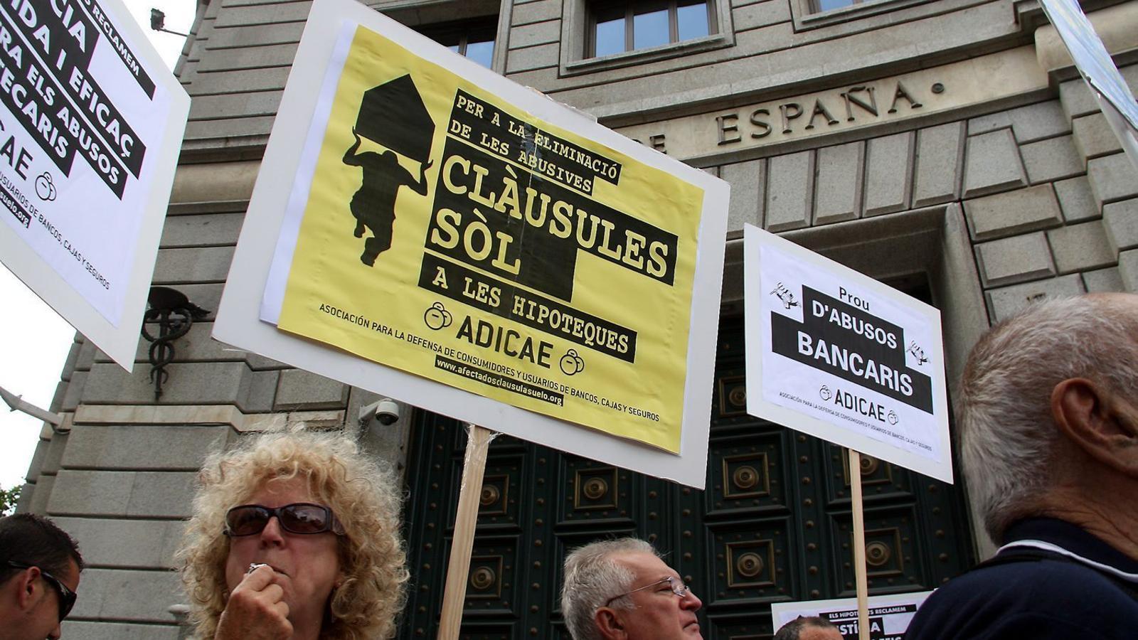Per als bancs s'està obrint un nou focus de problemes després de la sentència europea que va declarar il·legals les clàusules terra.