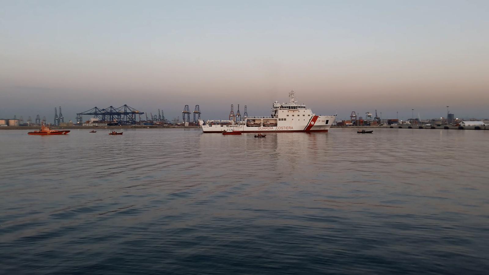 Els migrants de l''Aquarius' ja han arribat al port de València