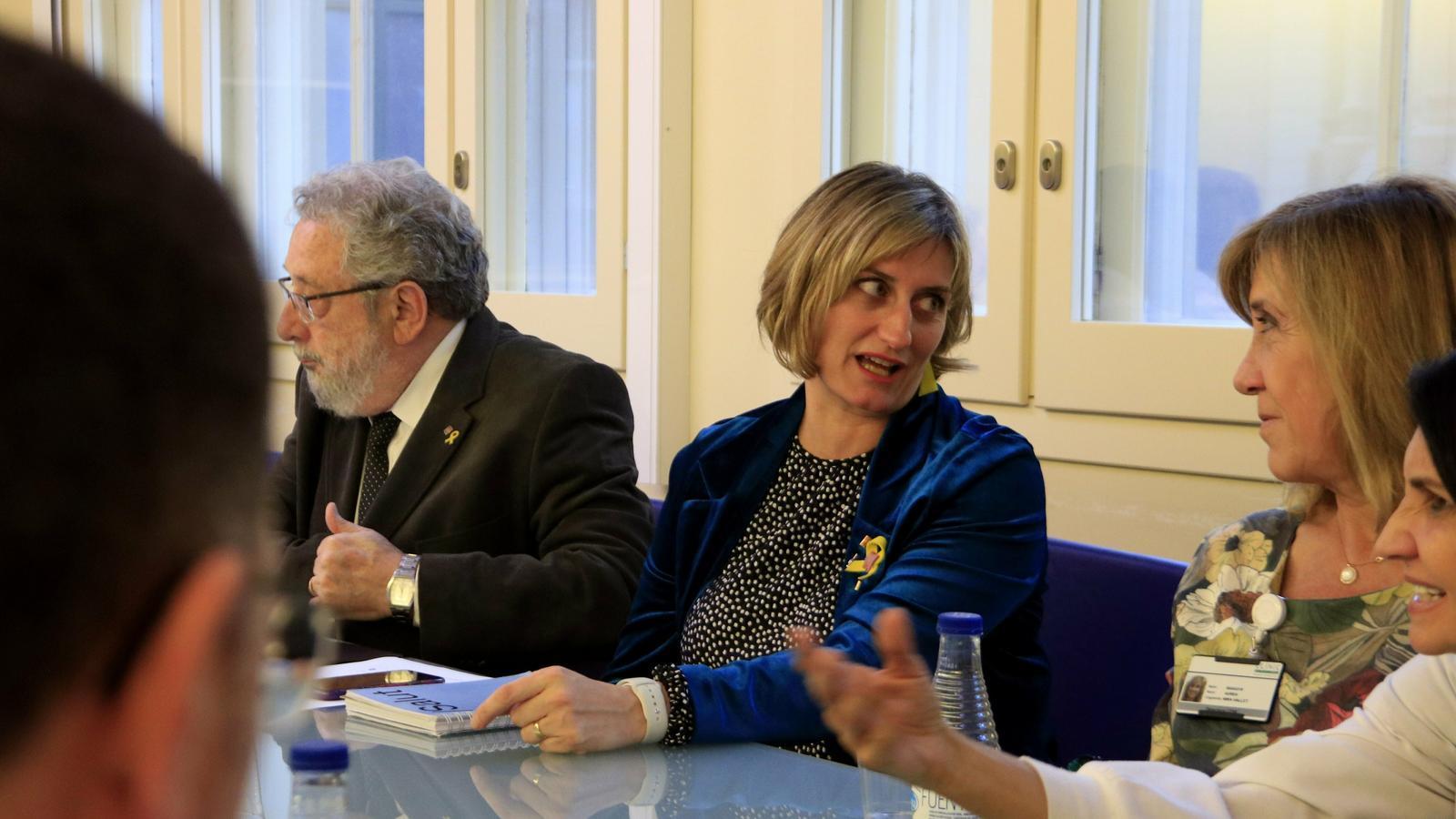 La consellera de Salut, Alba Vergés, reunida amb professionals del Clínic