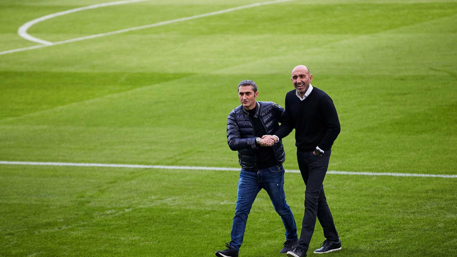 Els tècnics Valverde i Abelardo es van fer la tradicional fotografia prèvia al derbi.