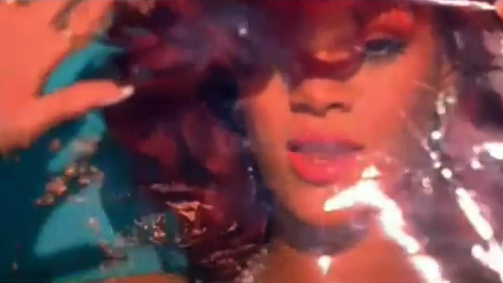 Vídeo oficial de S&M, de Rihanna