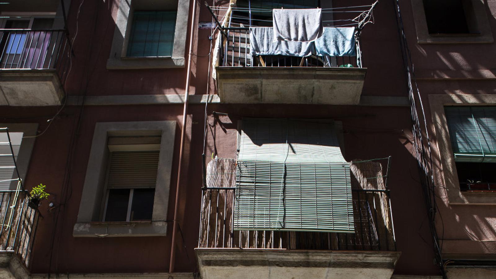 Una fotografia del número 21 del carrer de Sant Vicenç, que actualment és un espai de coworking.