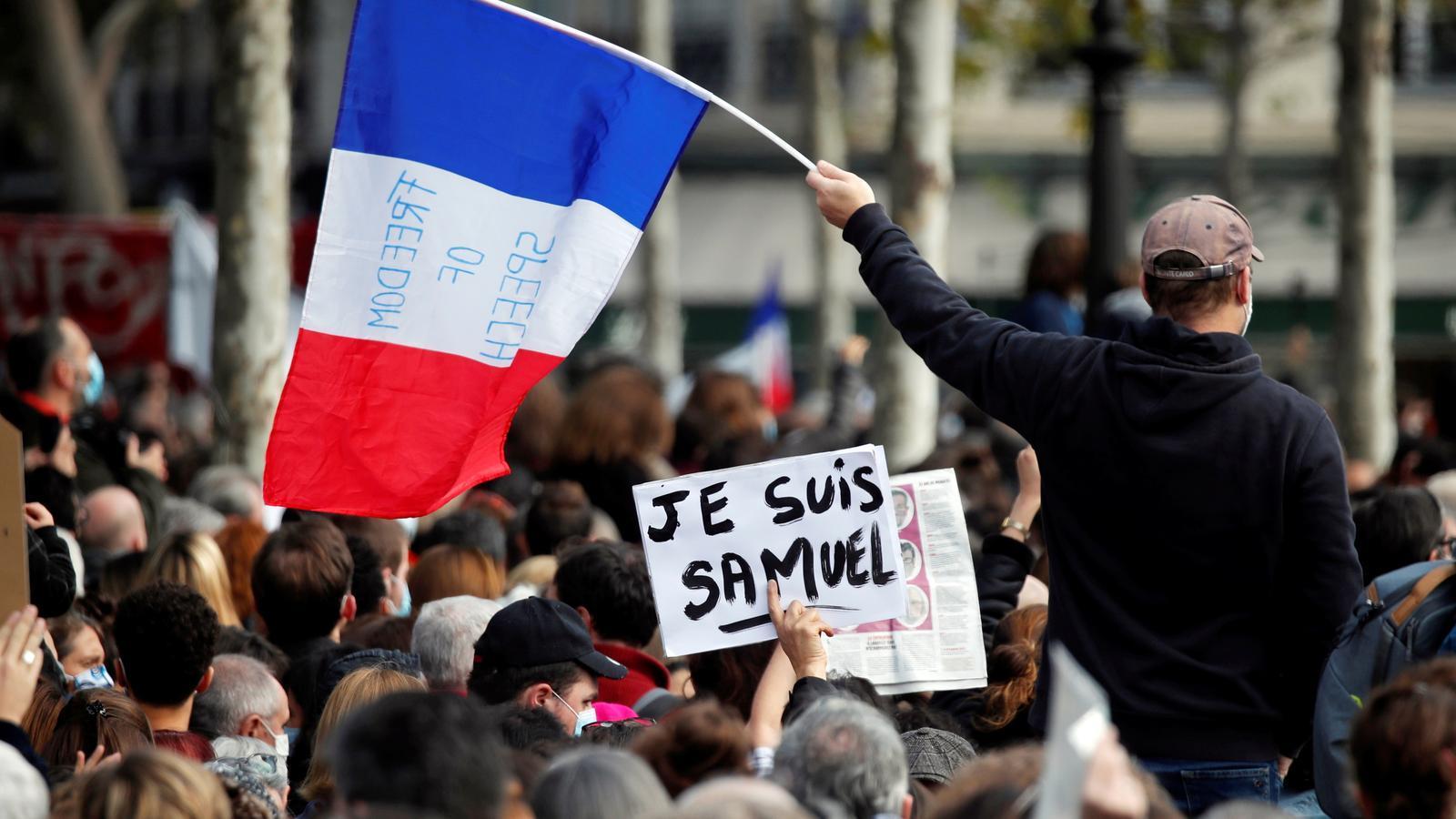 La decapitació del professor remou les pors de França