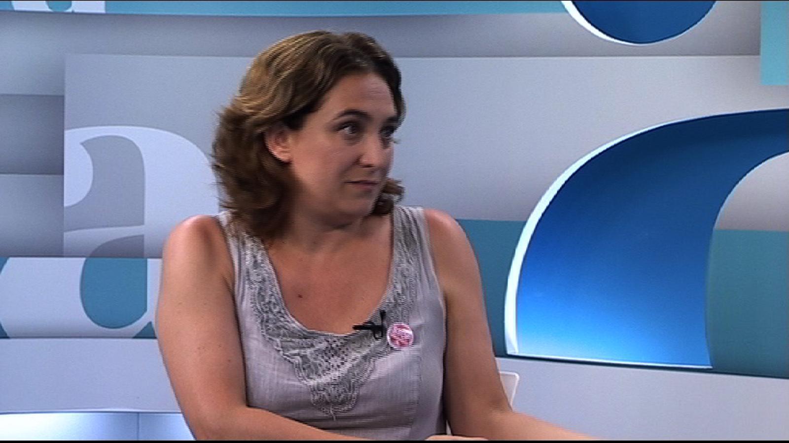 Ada Colau: No crec en la política de fitxatges individuals