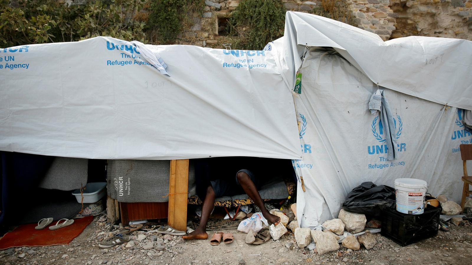 Una barraca sense condicions, en un camp de refugiats de Grècia