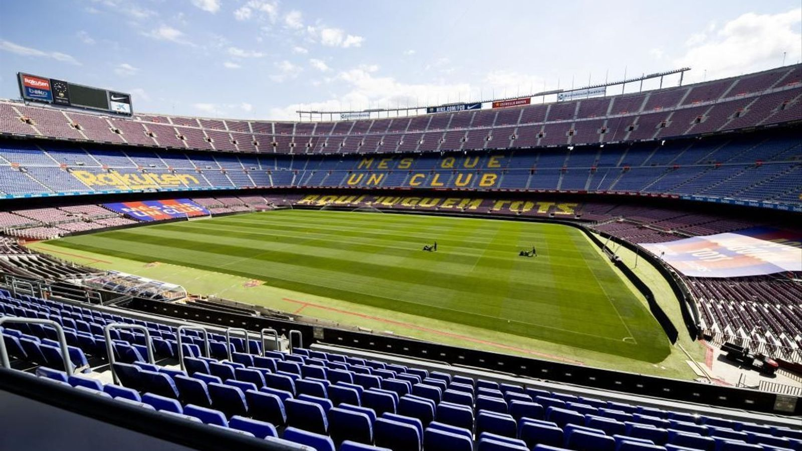'Das Lied der Vögel' sound im Camp Nou gespielt von den Musikern des Lyceum zu erinnern, die Opfer der covid-19