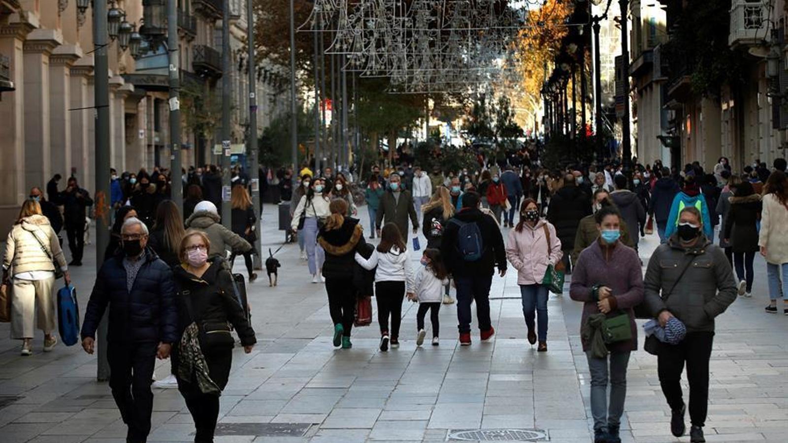 Repuntan los indicadores del covid en Catalunya: el riesgo de rebrote crece 10 puntos y la velocidad de contagio aumenta hasta el 0,94