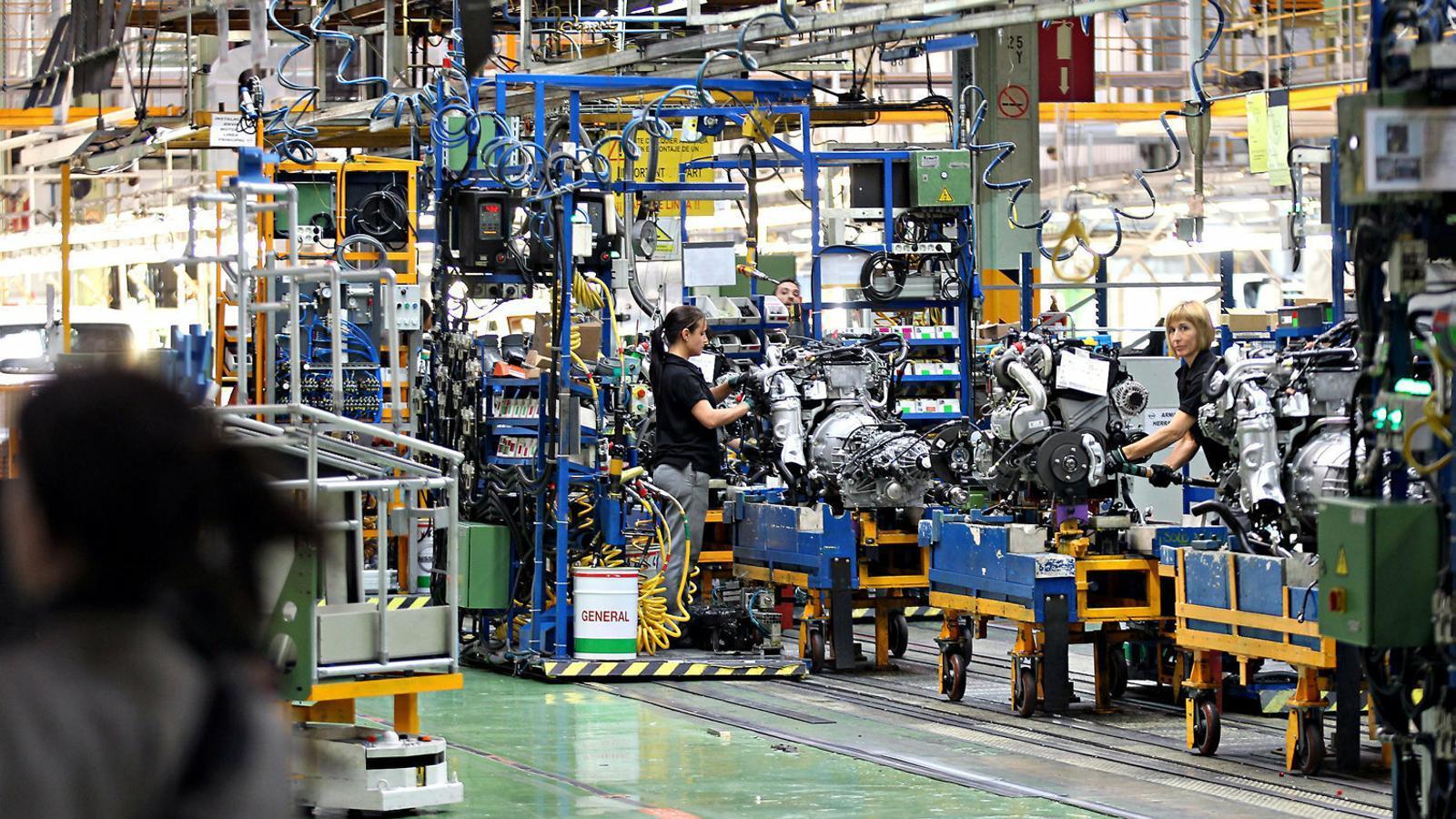 Nissan presenta un ERTO per a més de 3.000 treballadors, sense l'acord dels sindicats
