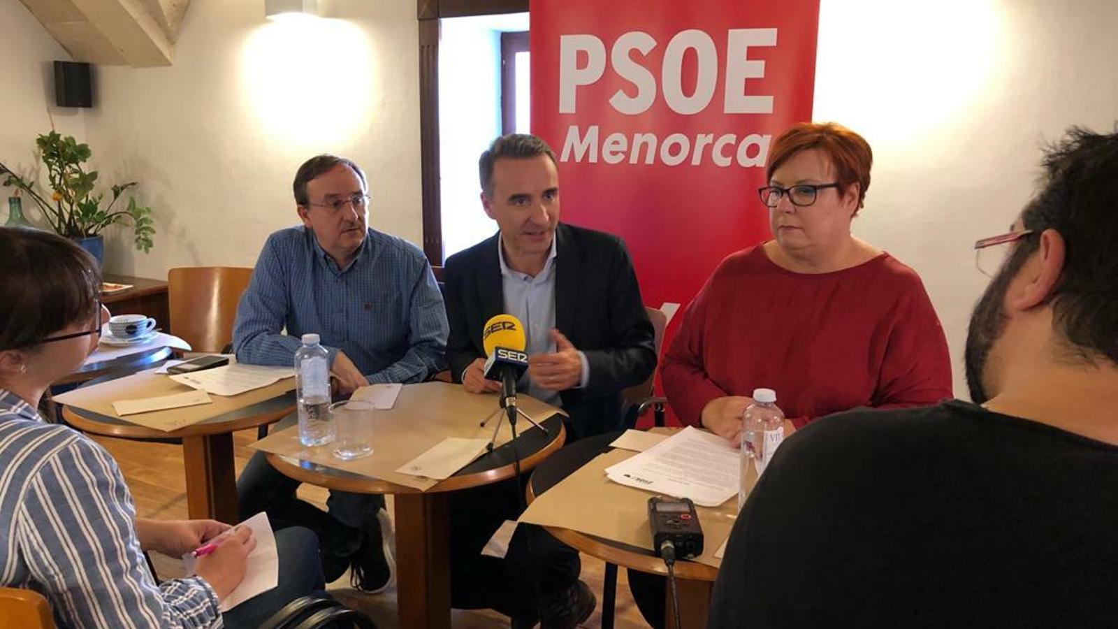 Els candidats del PSIB-PSOE han detallat els principals punts del programa i que afecten a Menorca.