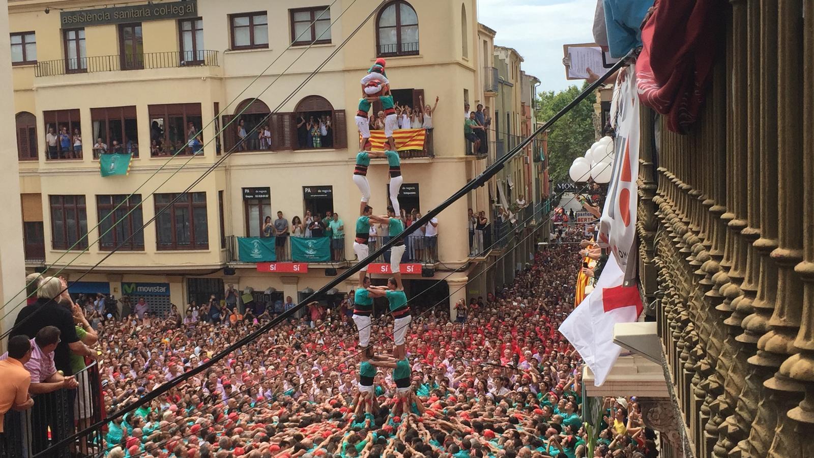 2d8sf descarregat pels Castellers de Vilafranca a la diada de Sant Fèlix