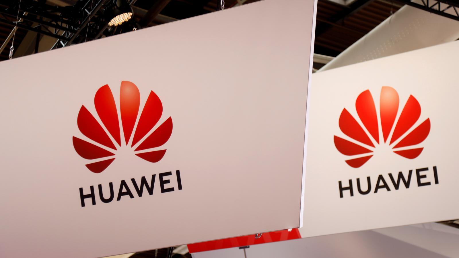 La xinesa Huawei ha estat inclosa en una llista negra comercial als Estats Units / CHARLES PLATIAU / REUTERS