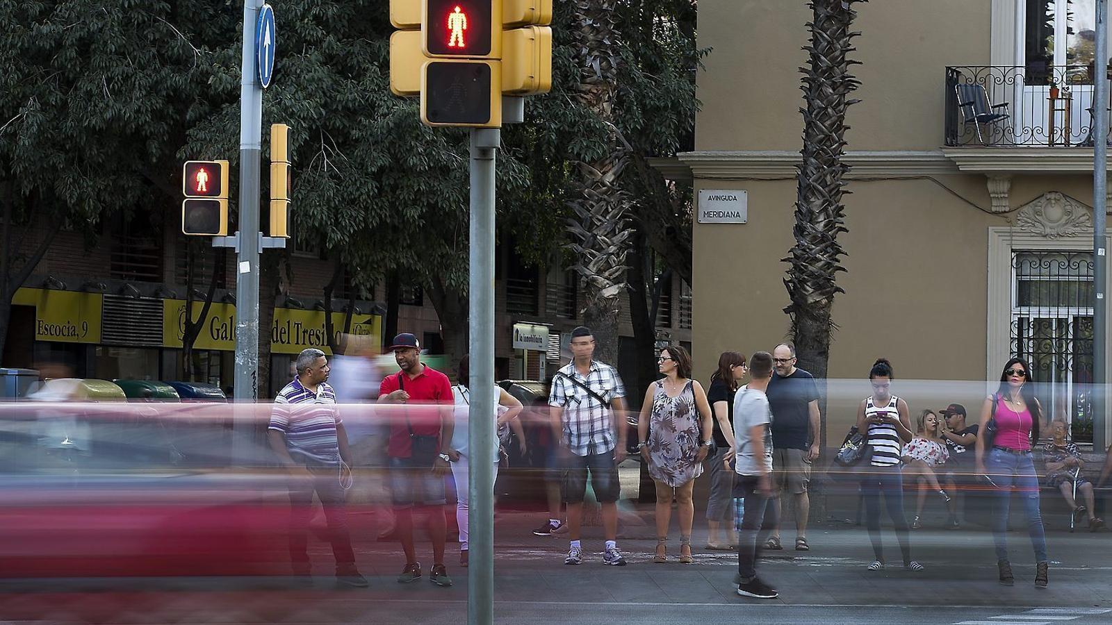 Barcelona reajustarà els semàfors cap a la mobilitat sostenible