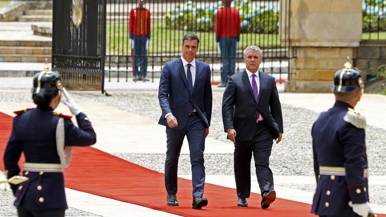 El president del govern espanyol, Pedro Sánchez, de visita oficial a Colòmbia acompanyat del nou president del país, Iván Duque, a Bogotà.