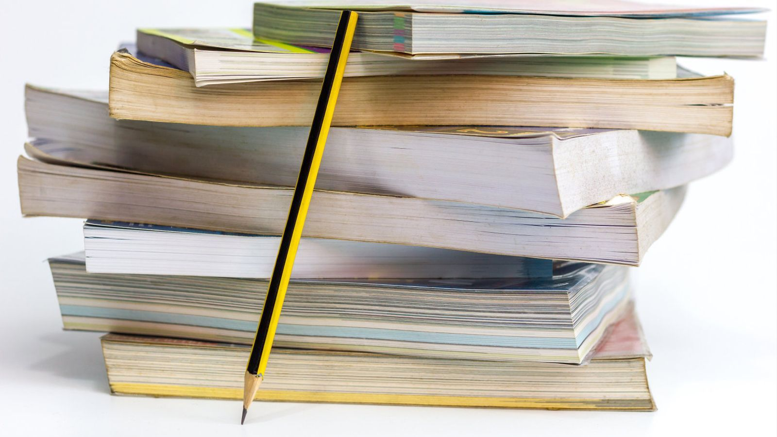 Resultat d'imatges de fotos llibres de tex