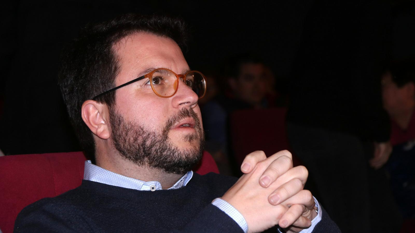 """Aragonès alerta que no poder aprovar els pressupostos abocaria el país al """"col·lapse"""""""