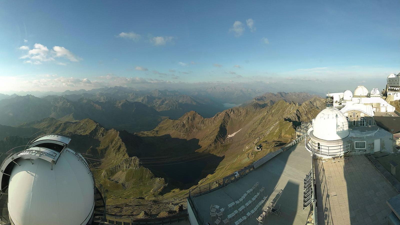Imatge panoràmica del cim captada per la web cam de l'observatori / Pic du Midi
