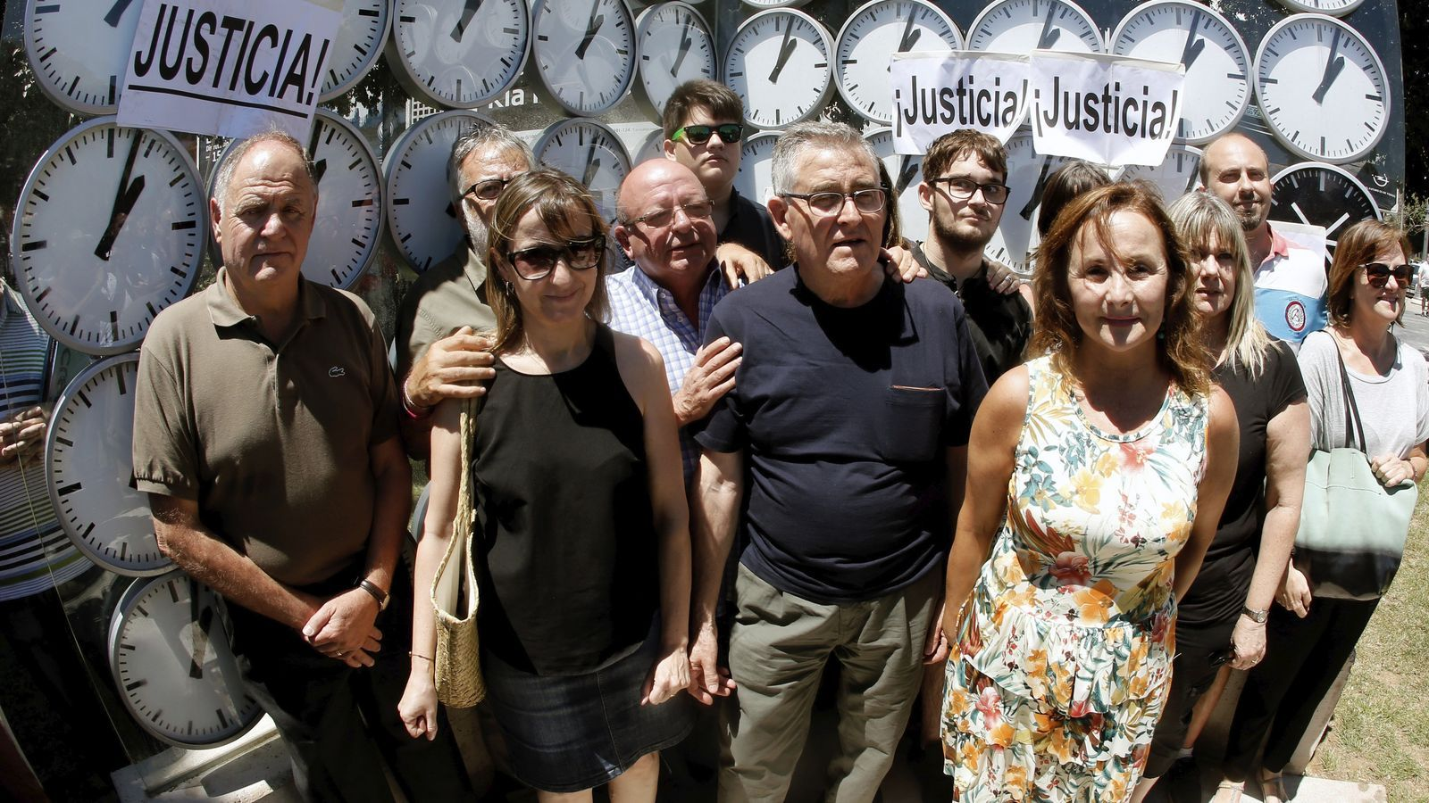 Les víctimes del metro de València i la fiscalia recorren l'arxiu del cas
