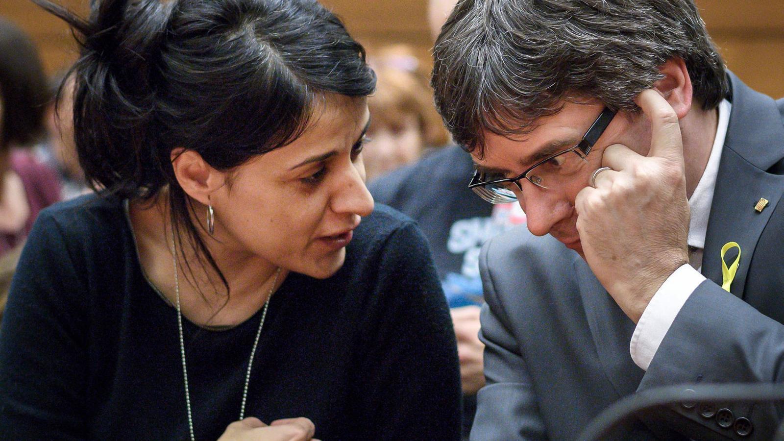L'exdiputada de la CUP Anna Gabriel i el president, Carles Puigdemont, ahir a la seu de l'ONU a Ginebra.