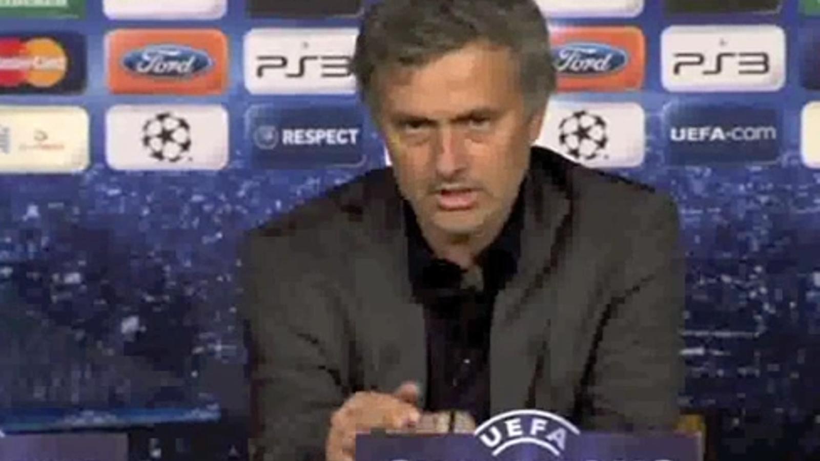 Mourinho acusa el Barça de rebre favors