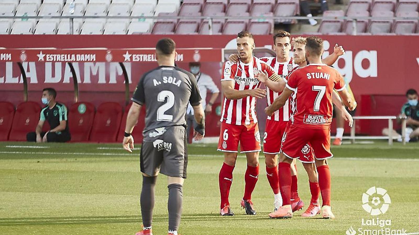 Els jugadors del Girona celebrant el gol matiner de Samu Sainz contra el Numància.