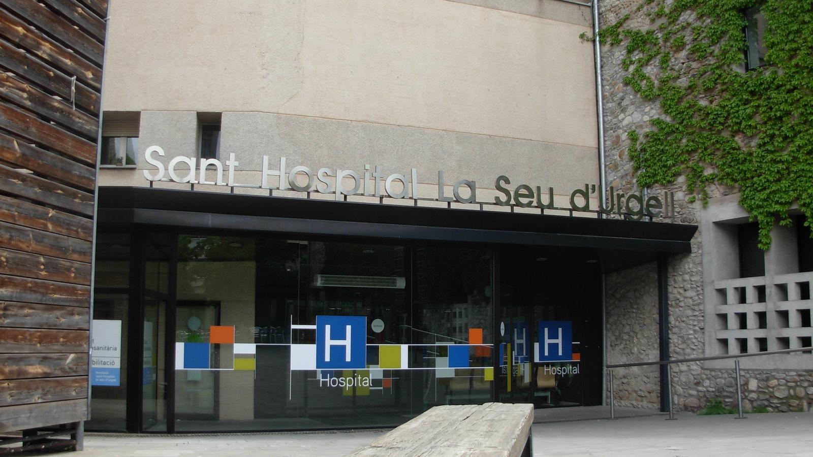 Entrada de l'hospital de la Seu d'Urgell. / ARXIU
