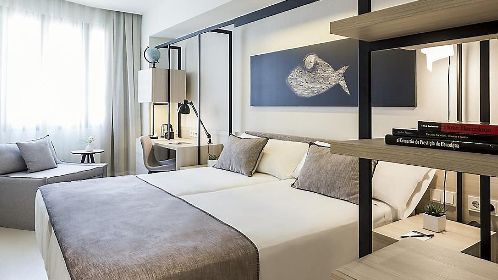 Un país per confinar-s'hi Hotel Denit Dormir a un minut  de la plaça Catalunya  és assequible i bonic