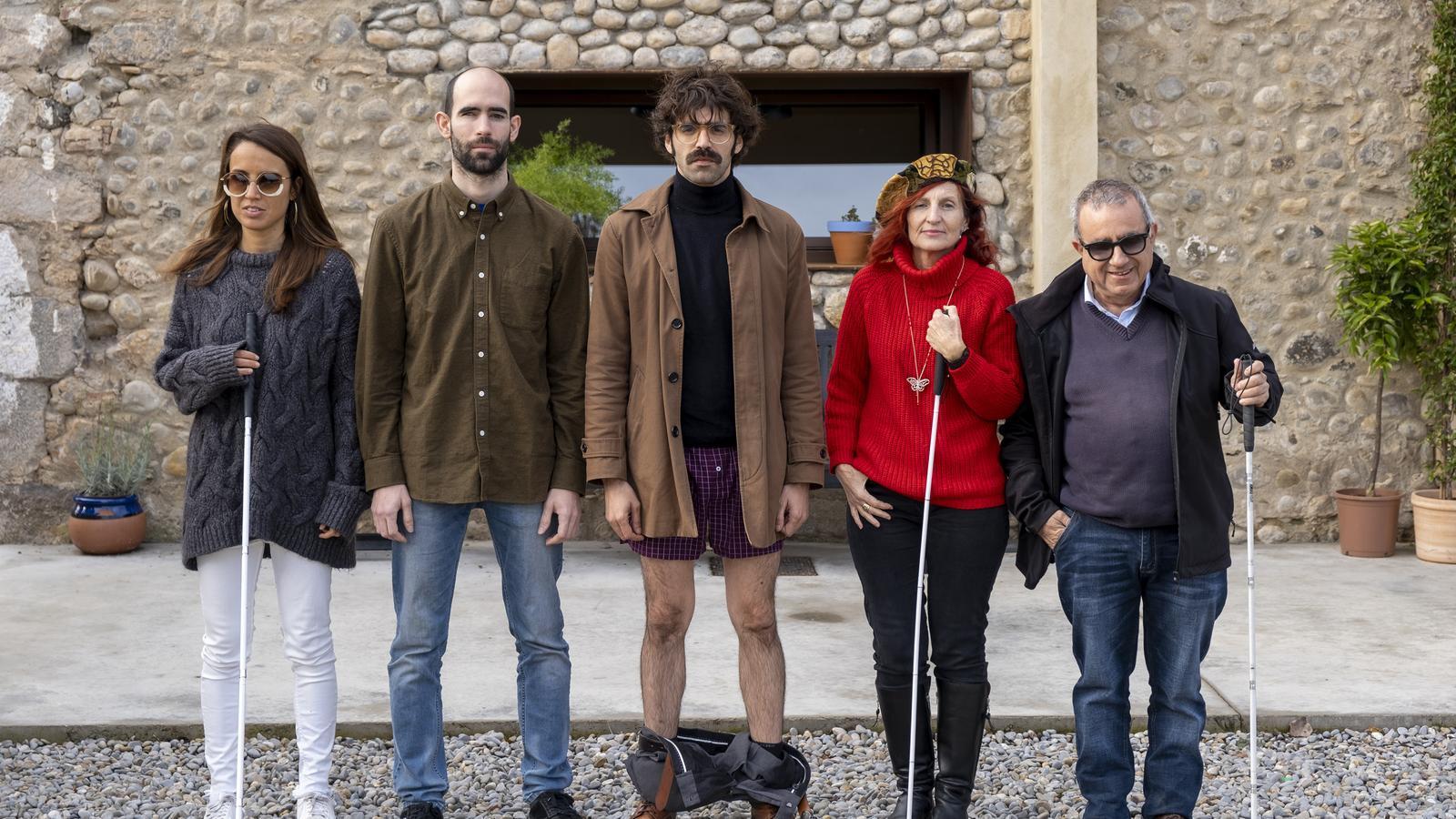David Verdaguer, al centre, amb els protagonistes del capítol dedicat a la ceguesa