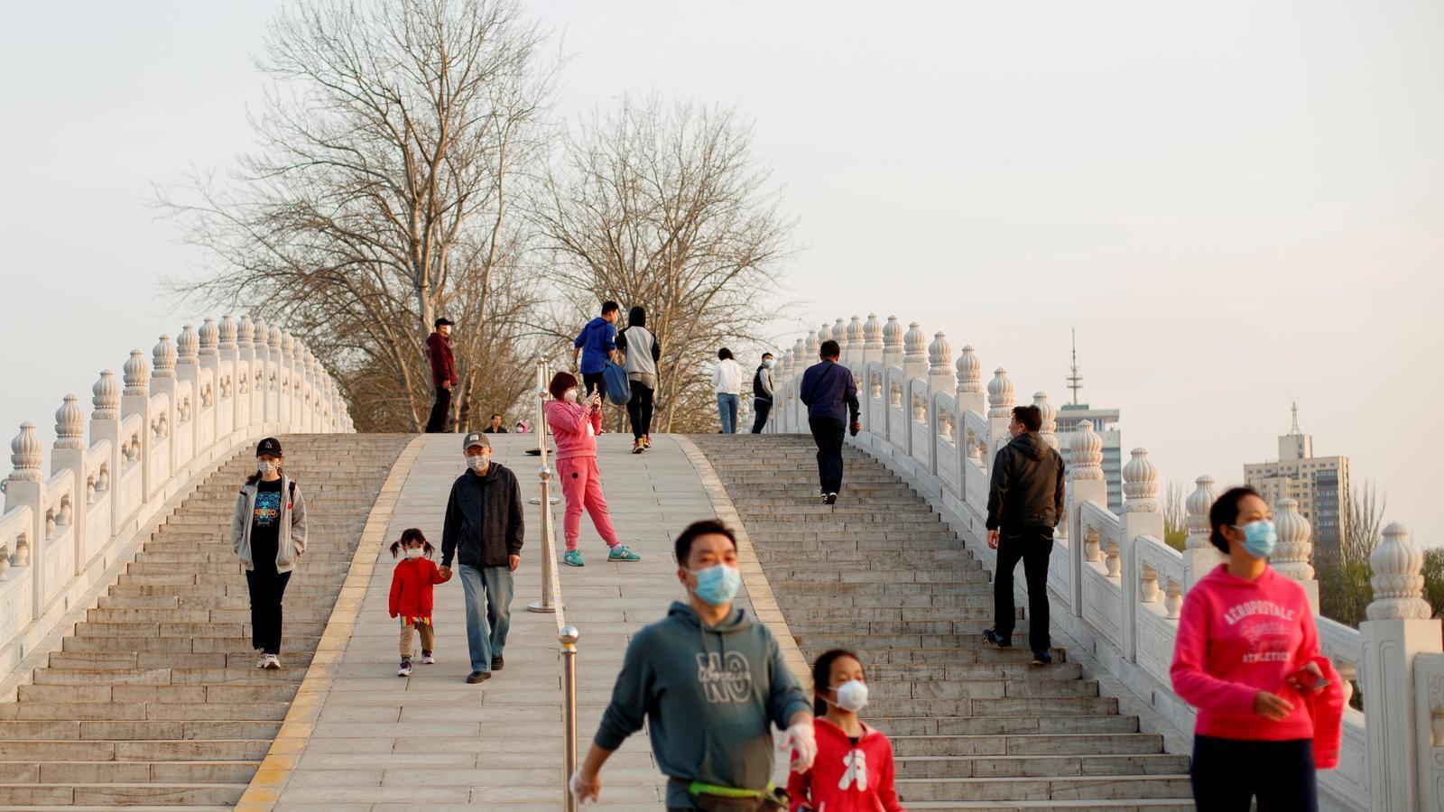 La Xina podria tenir 43.000 contagiats sense símptomes i que no ha comptabilitzat