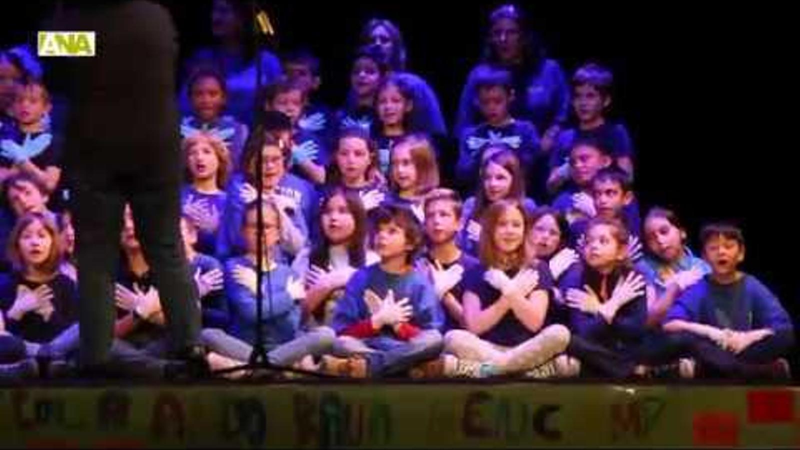 L'escola andorrana canta a la pau