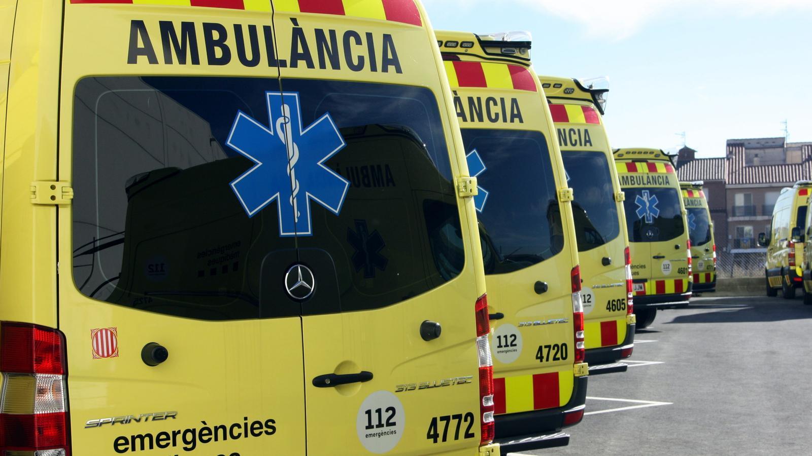 Imatges d'arxiu d'ambulàncies del SEM a Tortosa.
