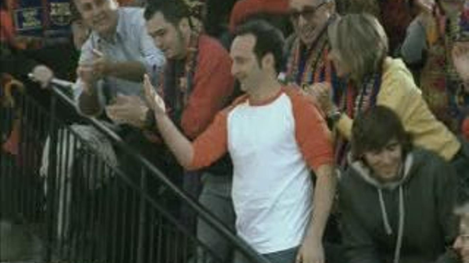 Espot de Damm de 2005: 'La mà del Barça'