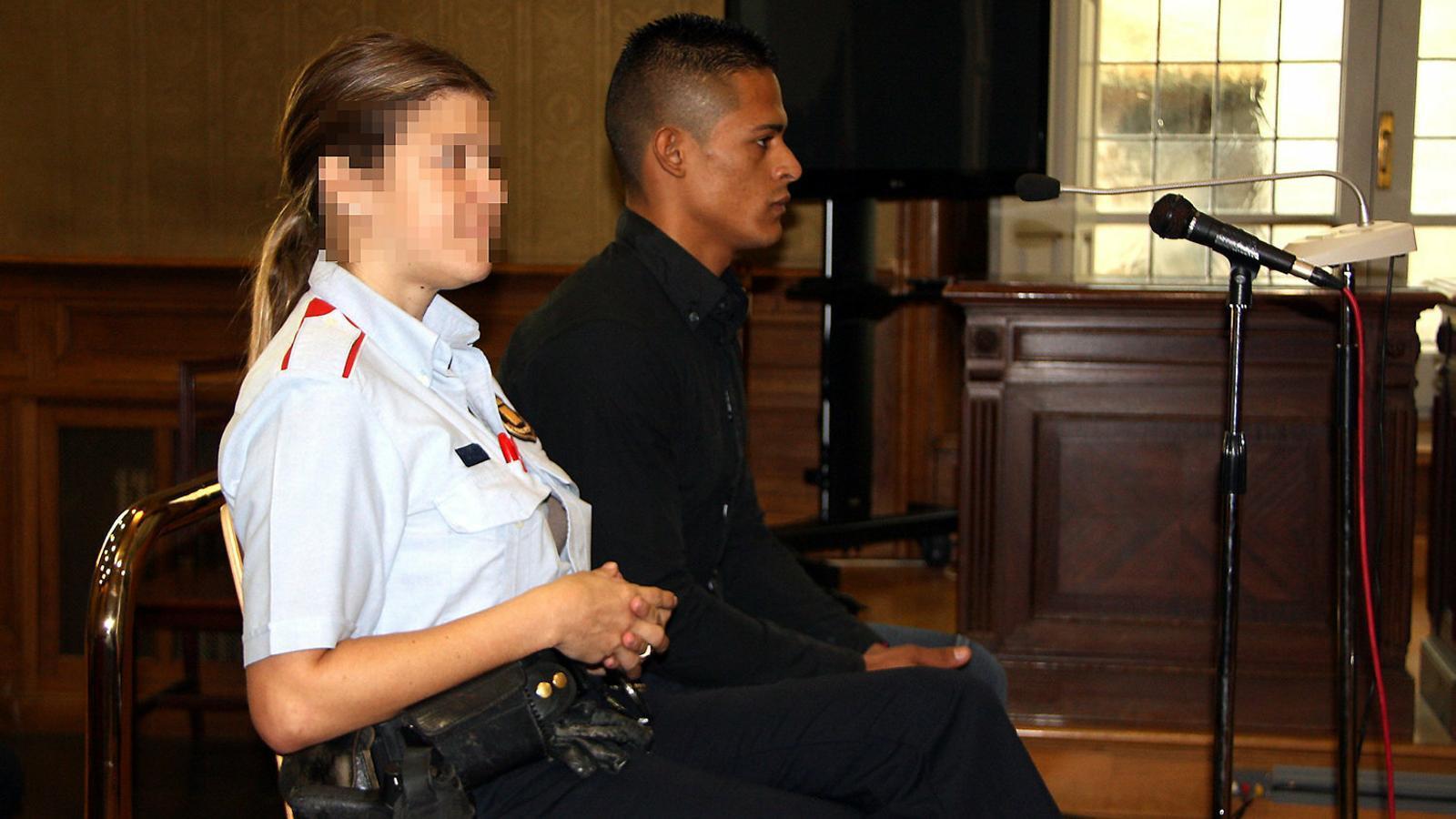 Imatge d'arxiu del violador reincident durant un judici el 2011 a l'Audiència de Girona.