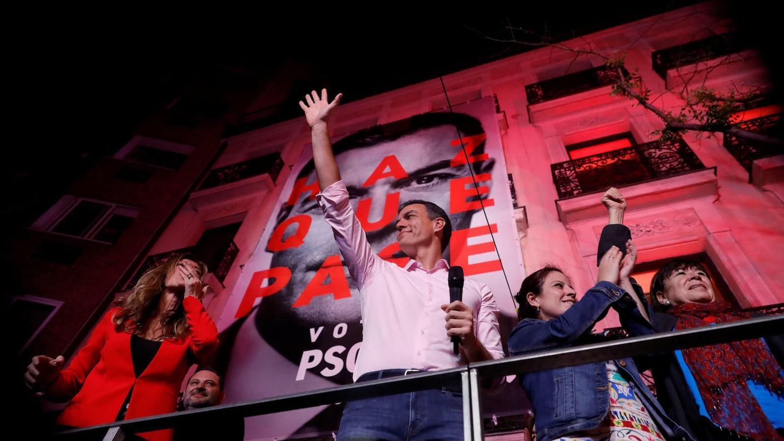 El PSOE s'imposa i mira cap a l'esquerra