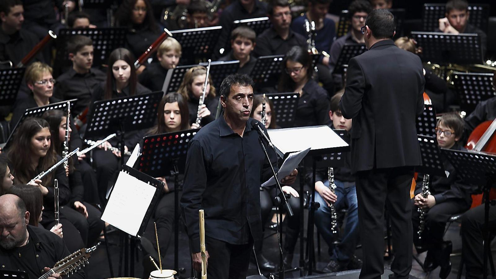 """Un diputat del PP valencià demana la suspensió d'un concert per """"la seva ideologia pancatalanista"""""""