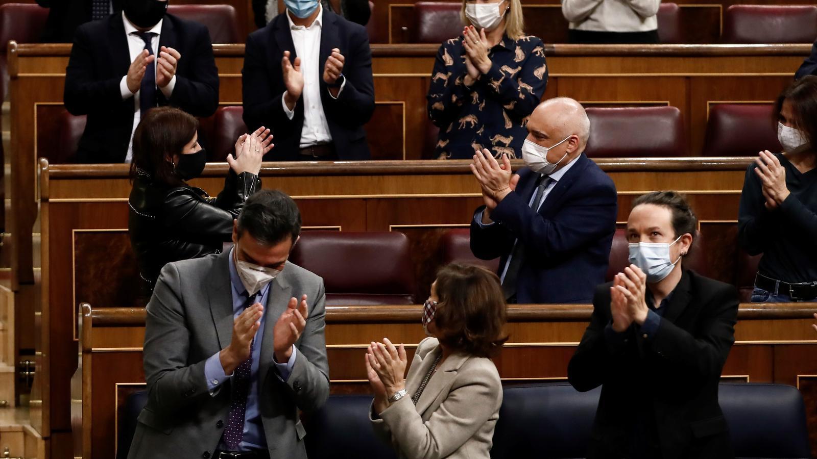El govern espanyol i la bancada socialista celebren la fi de la tramitació dels pressupostos al Congrés, que ara passen al Senat.
