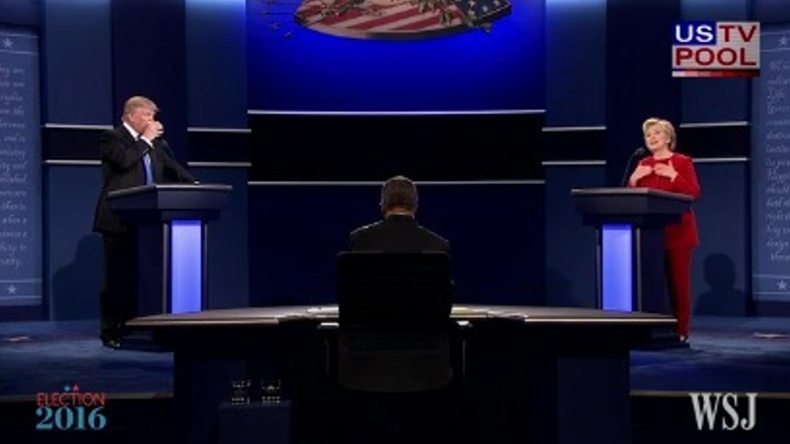 Clinton: Trump va inflar la bombolla immobiliària