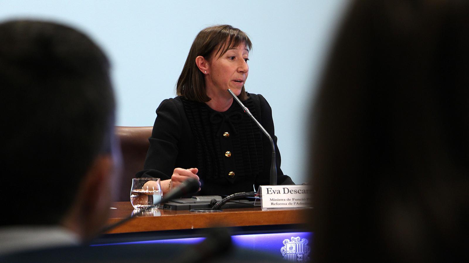 La titular de Funció Pública i Reforma de l'Administració, Eva Descarrega, en la roda de premsa posterior al consell de ministres. /  M. M. (ANA)