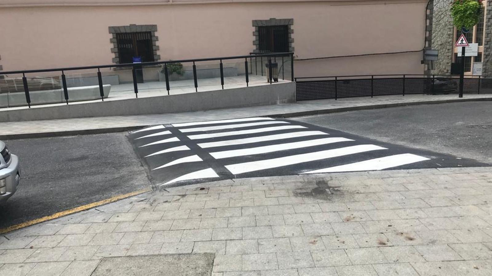 Un dels passos elevats de Ciutat de Valls. / ARA ANDORRA