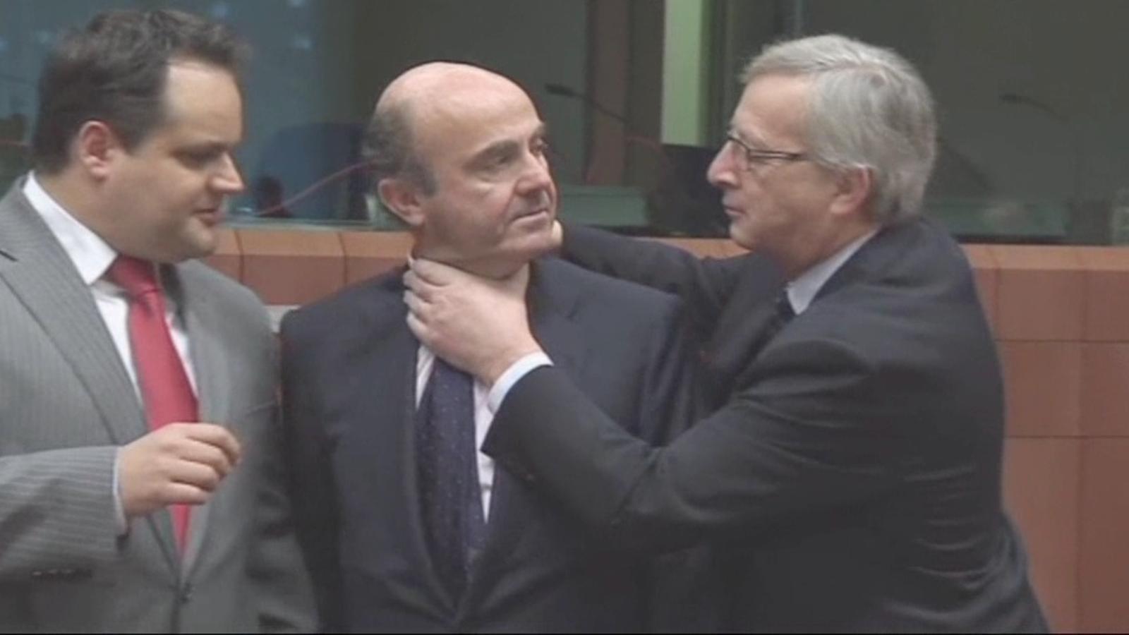 Juncker escanya però no ofega De Guindos