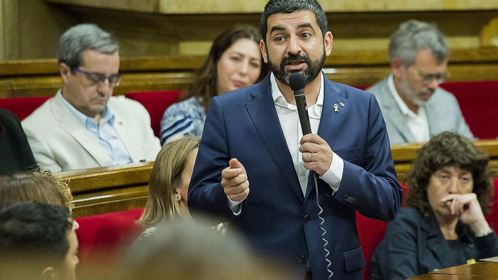 El conseller Chakir el Homrani, al Parlament, en una foto d'arxiu.