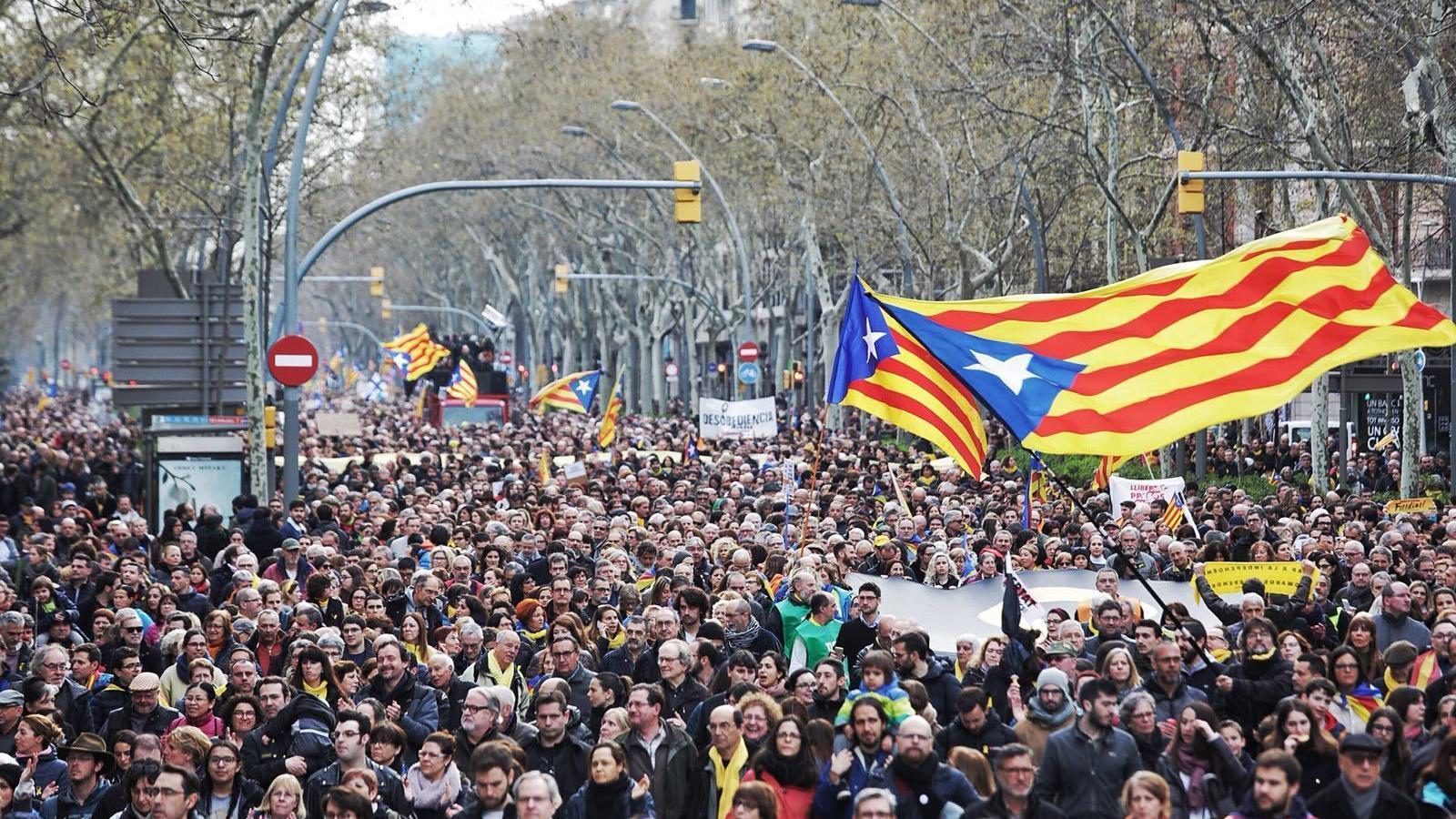 Captura de la manifestació per reclamar la llibertat dels presos