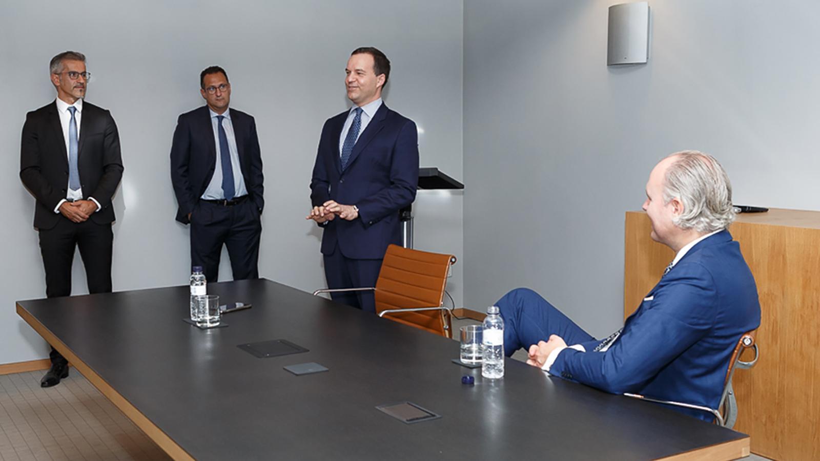 D'esquerra a dreta, el director general de Finances, Cándido Romero; el director de l'àrea de Negoci, Sergi Pallerola; el conseller delegat, Michael Christner, i el fins ara vicepresident del consell d'administració, Christoph Lieber. / VALL BANC