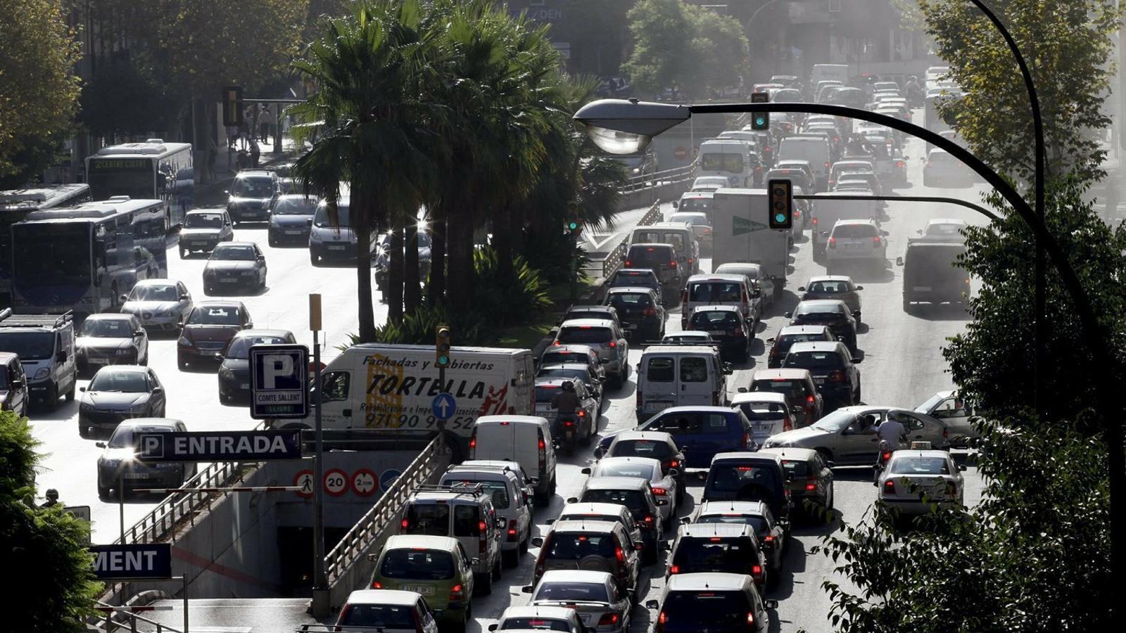 El Govern ha acordat amb Madrid suspendre la prohibició dels vehicles dièsel a partir del 2025